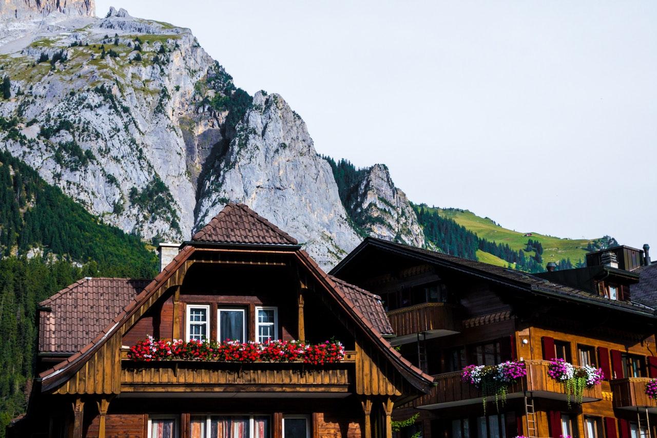 5 Interesting Balcony Decor Tips for Summer time