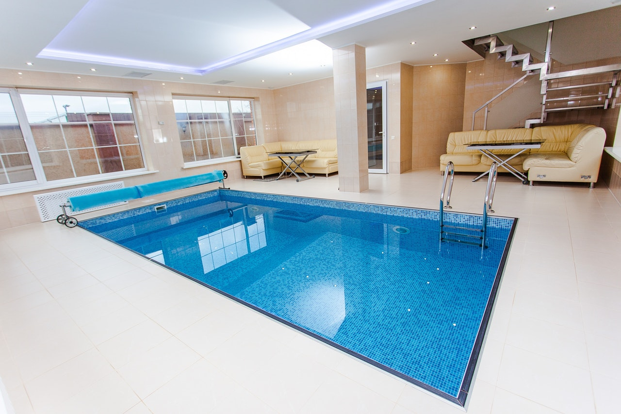How use of Swimming pool make your home more attractive to Guests