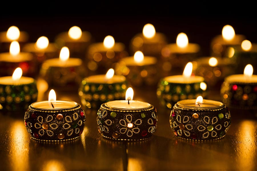 Use diyas and candless