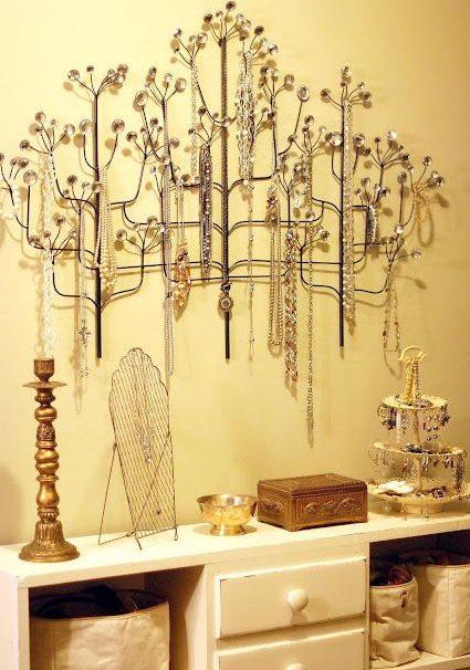 make a jewelry tree