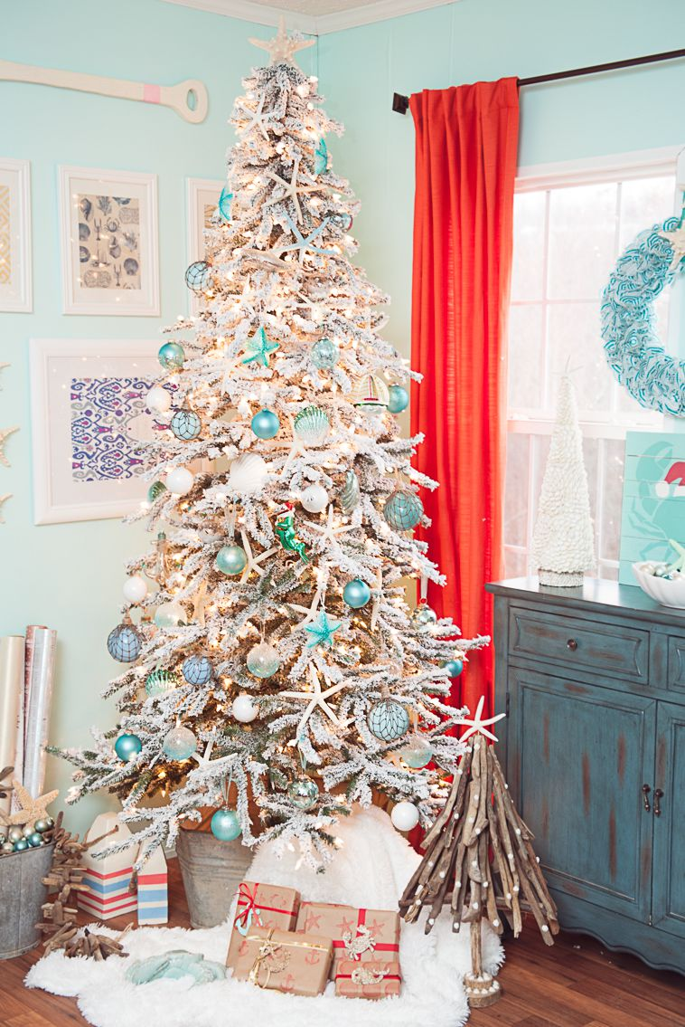 coastal and beachy Christmas tree