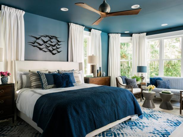 bold color in small bedroom