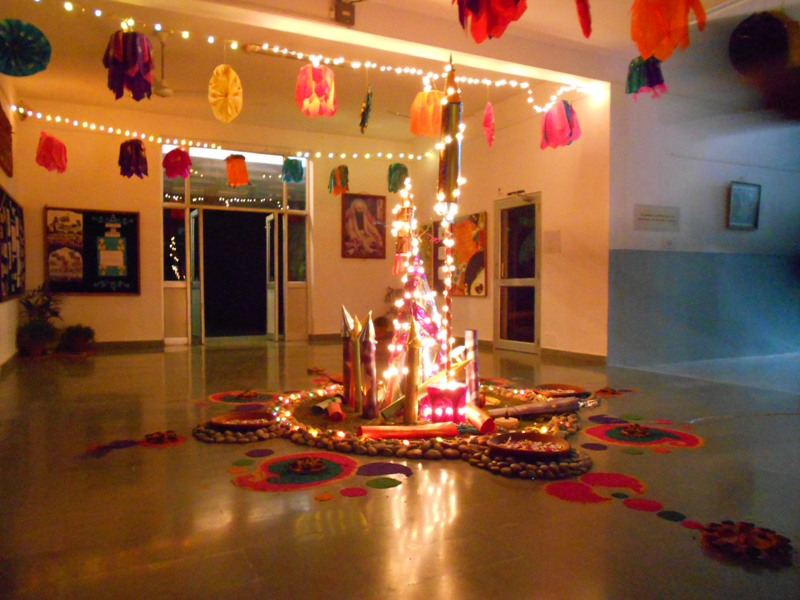 holi decoration ideas for office