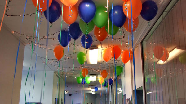 holi decoration ideas for office 3