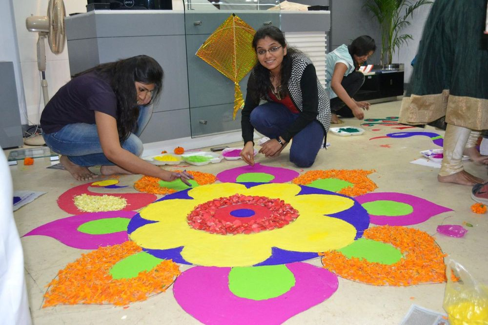 holi decoration ideas for office 5