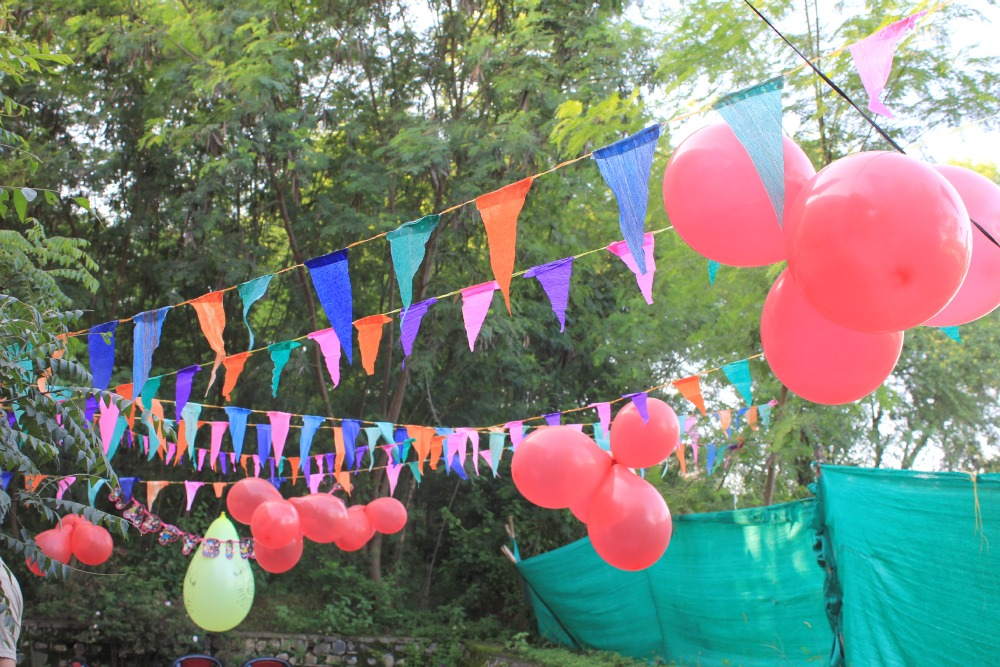 holi party decoration ideas