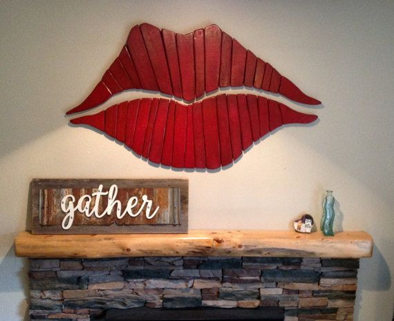 lips from pallet art | DIY art