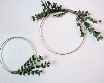 simple half foilage wreath | DIY art