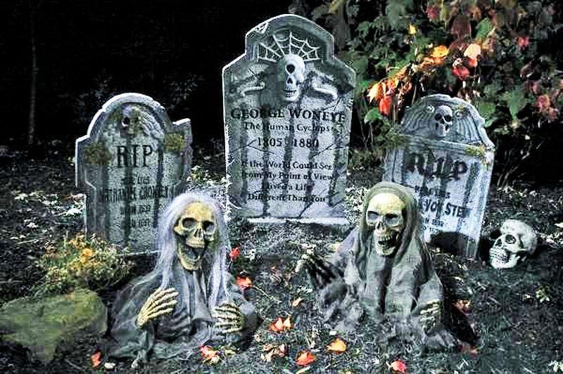 Backyard cemetery:Halloween decoration