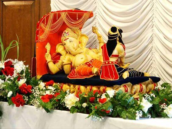 Create a Royal Welcome For Bappa