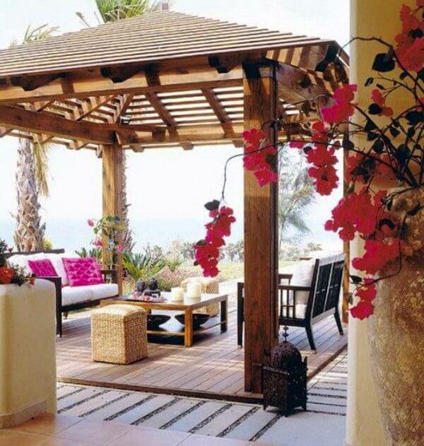 traditional balcony:design