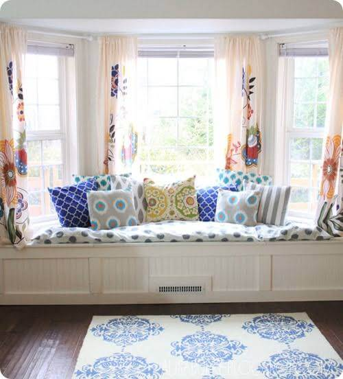 Go With the Curve:20 Best Curtains For Arched Windows