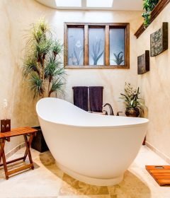 Helpful hacks for making bathroom of your dreams