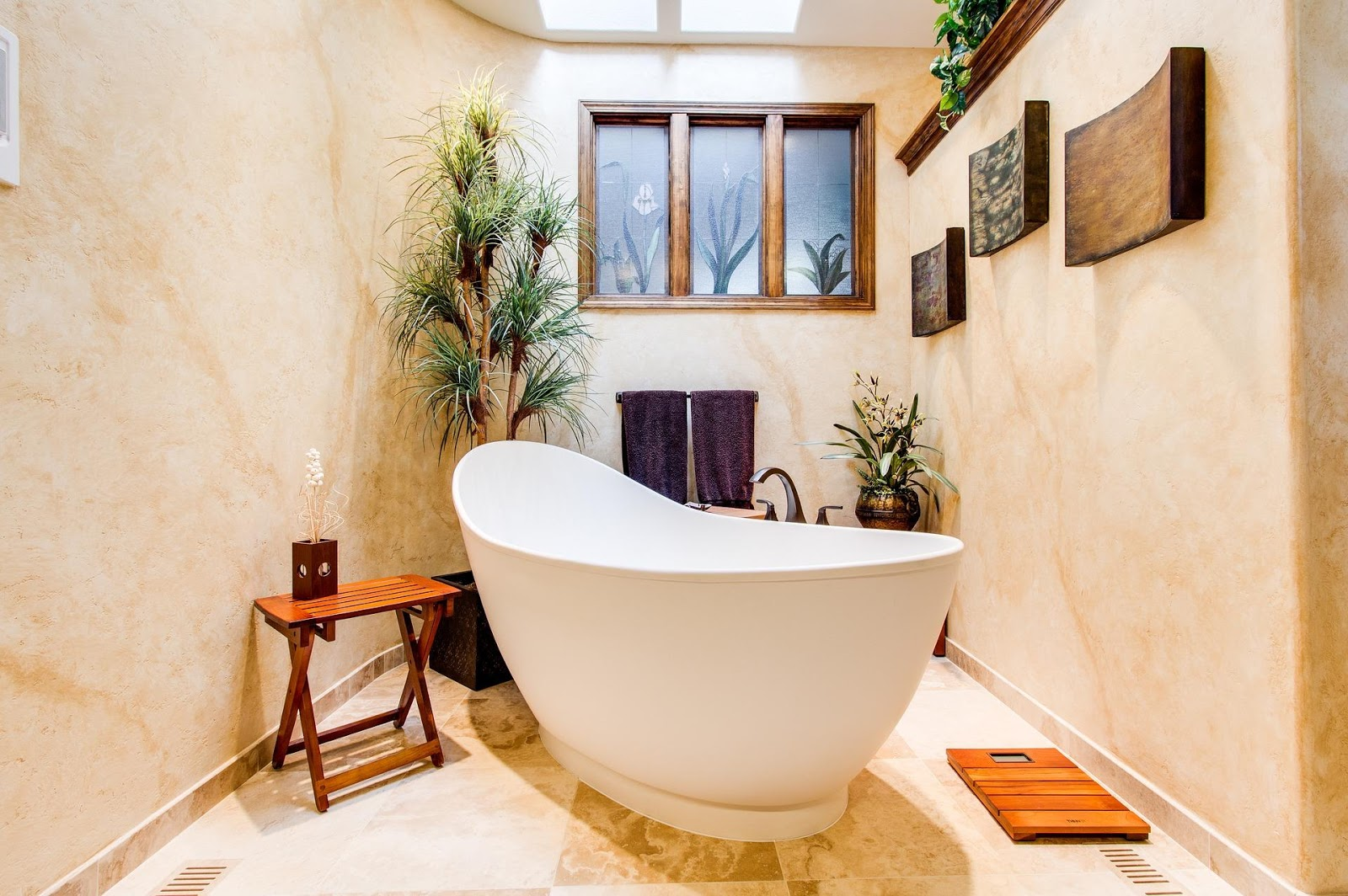 Helpful hacks for making bathroom of your dreams